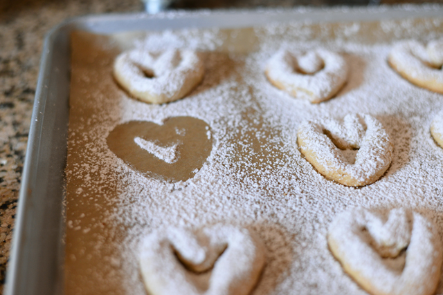 almond-coconut-heart-cookies_2