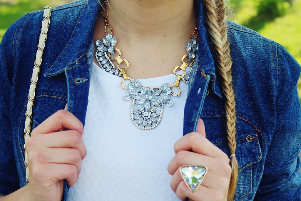 summer-jewelry-crystal-statement-necklace