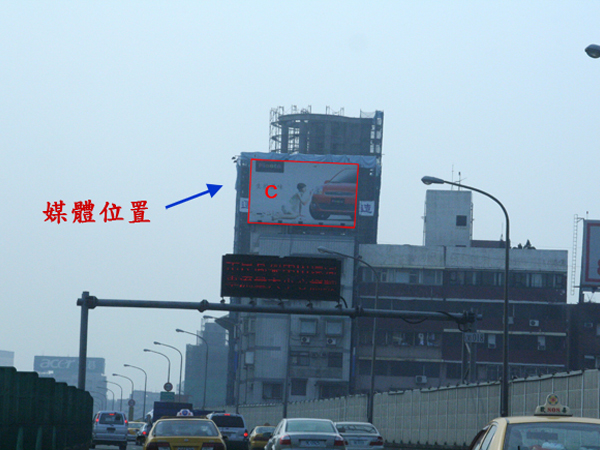 台北市復興南路一段01