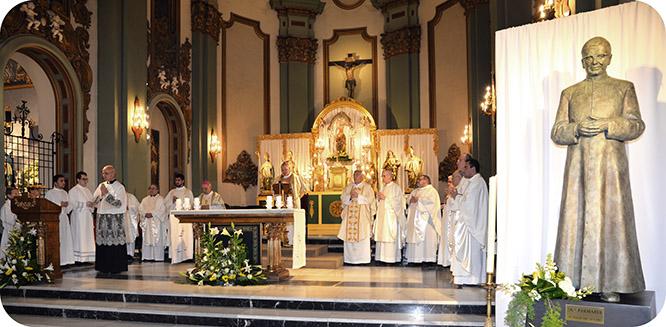 El Obispo bendijo la primera escultura de San José María Escrivá de Balaguer
