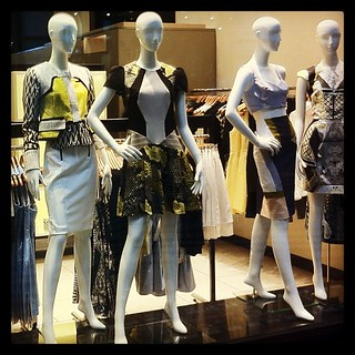 More black & yellow in women's #fashion. #killbill