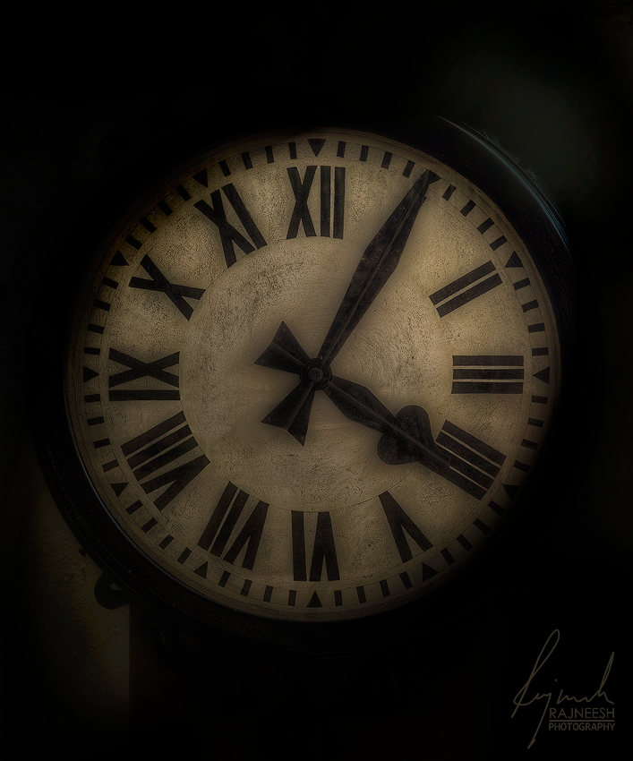 1926 Antique Clock HDR