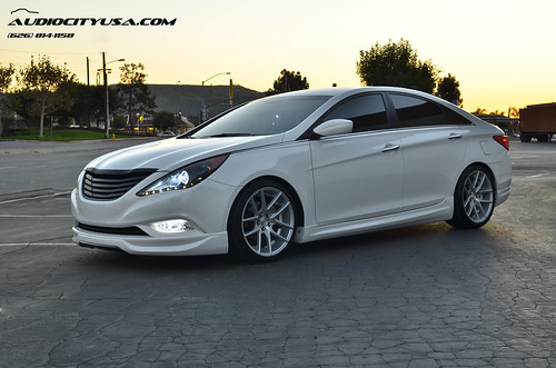 2nd shoot 19 niche targa silver on 2012 hyundai sonata 2 0 6speedonline porsche forum. Black Bedroom Furniture Sets. Home Design Ideas