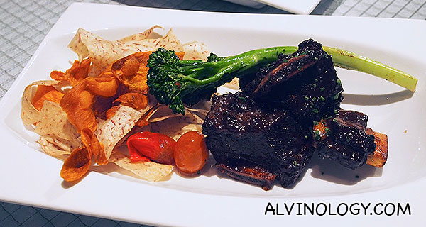 Spicy Kalbi Beef Short Ribs – Sous vide short ribs, Spicy Kalbi glaze, Sautéed brocollini , Crispy root vegetable rbbons (S$36)