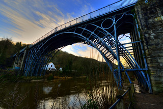 IRON BRIDGE, IRONBRIDGE, SHROPSHIRE, ENGLAND.
