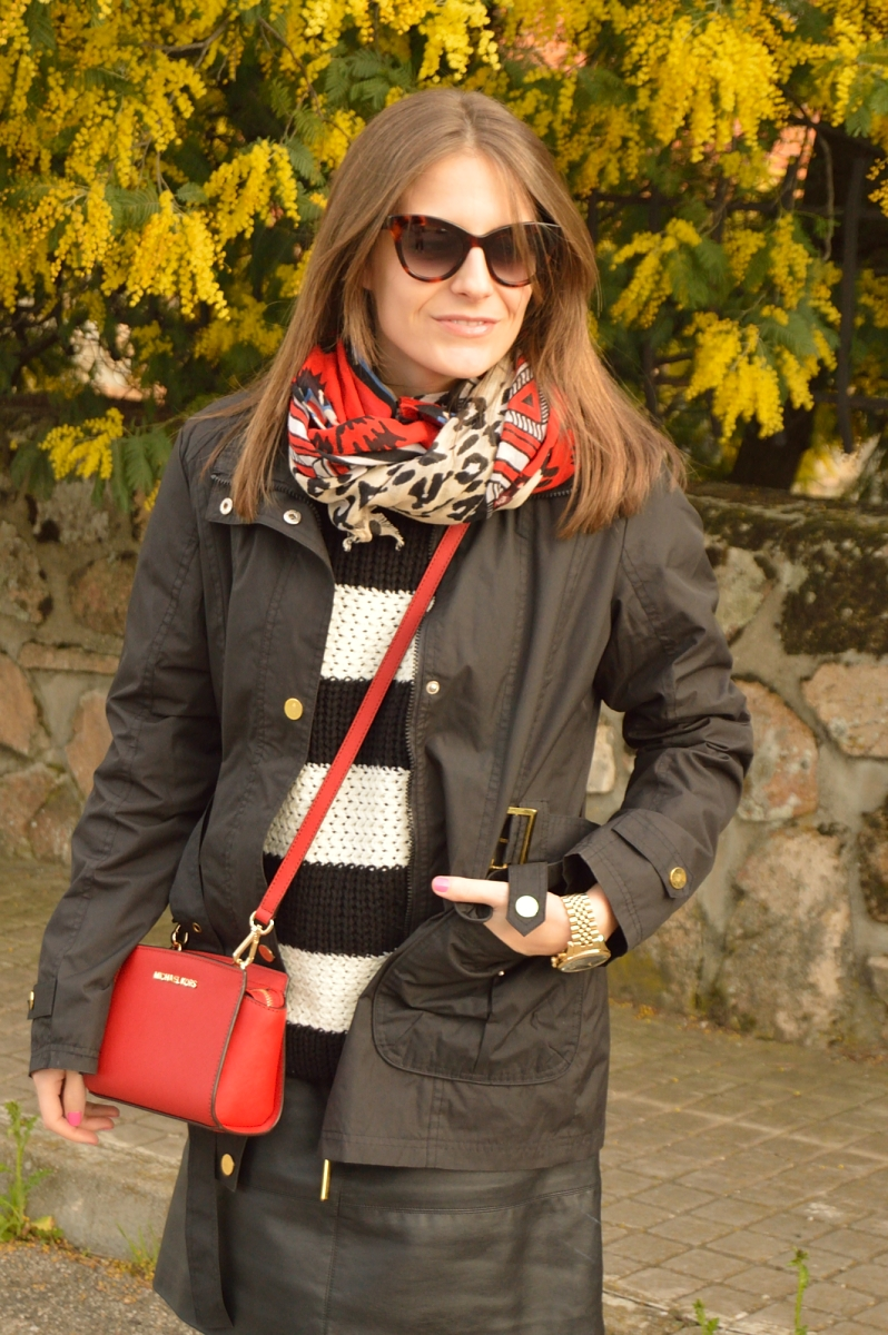 lara-vazquez-madlula-blog-red-bag