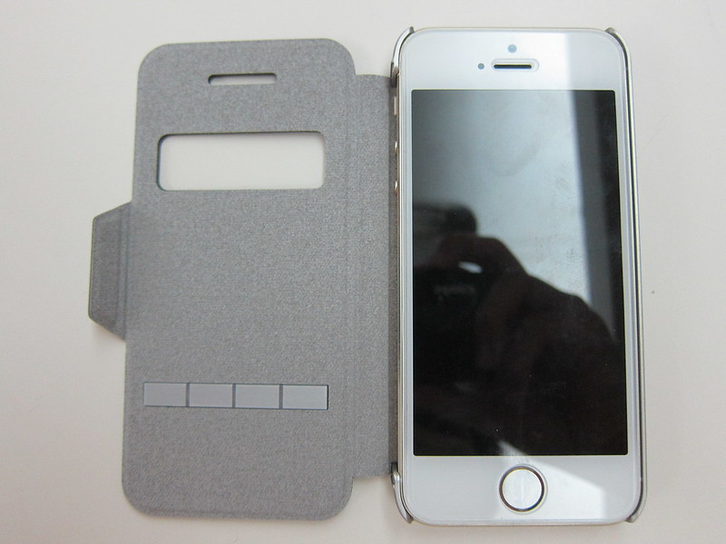 Moshi SenseCover for iPhone - With iPhone 5s Open