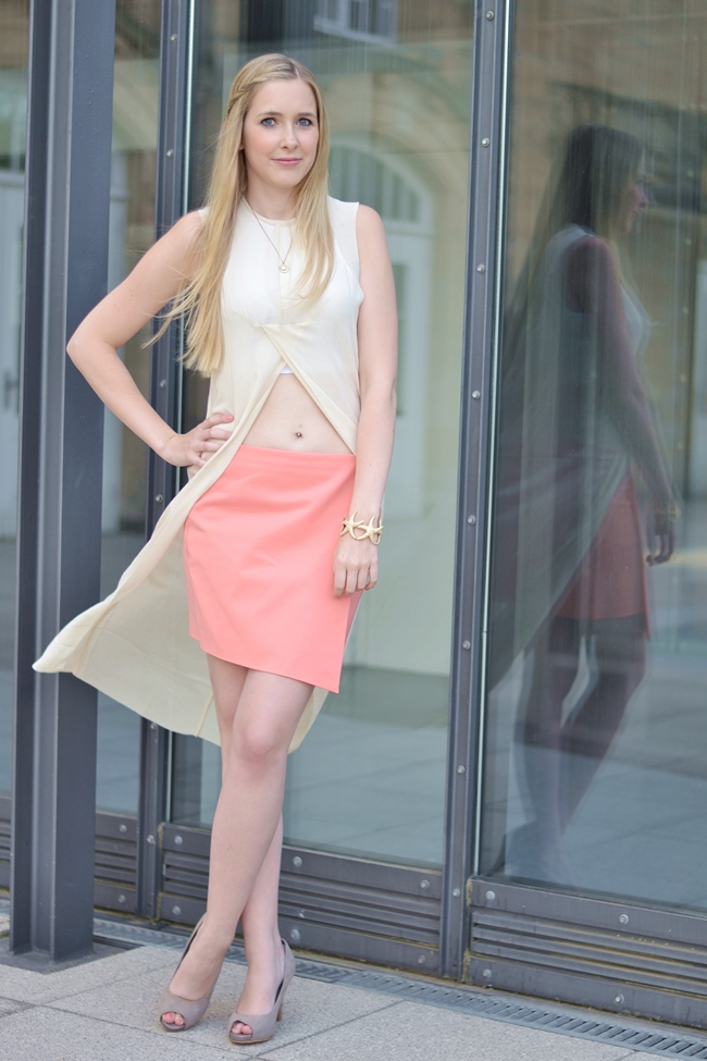 Outfit C&C Coral and Crop Top (2)