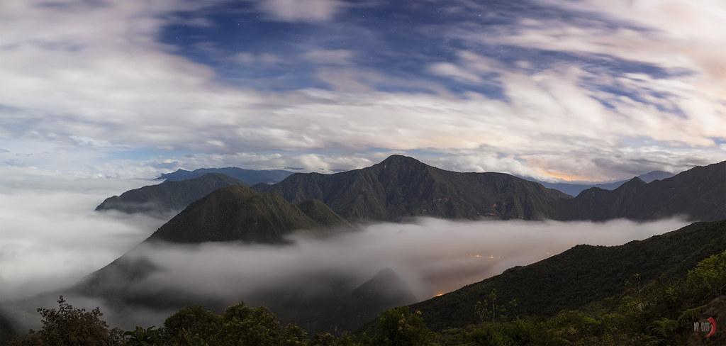 Volcán Pululahua (nube de agua)