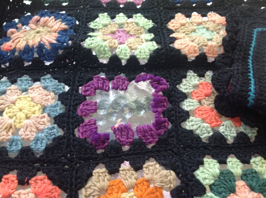 Center of granny square lost of love