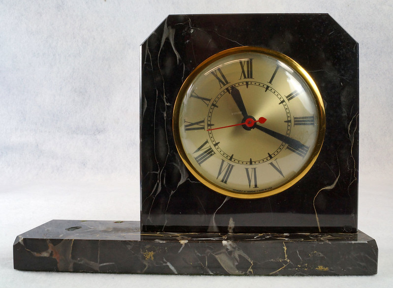 RD15359 Vintage Brunswick Electric Sessions Brass and Imported Marble Trophy Clock DSC09237