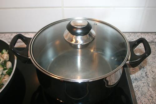 22 - Wasser aufsetzen / Bring water to boil