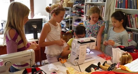 Medina Dolls Clothes gals helping
