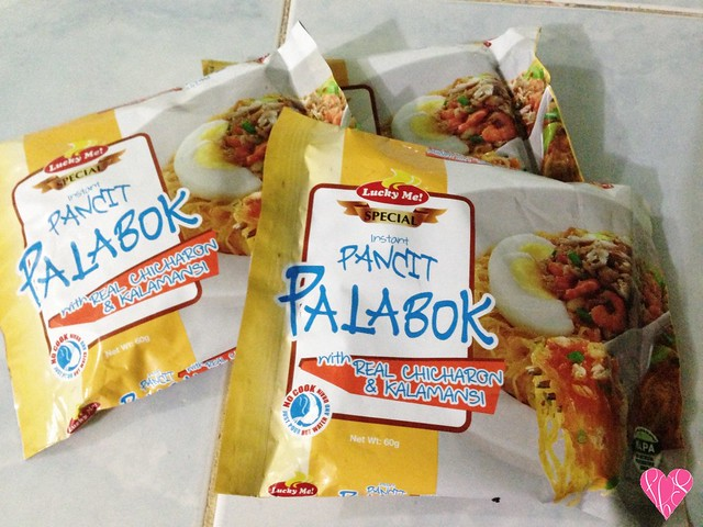 Lucky Me Instant Pancit Palabok Product Food Review
