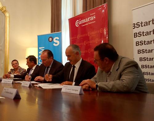 Firma del convenio con CECREM