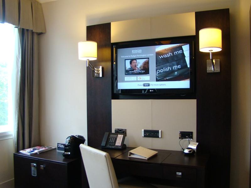 Rydges Kensington Hotel