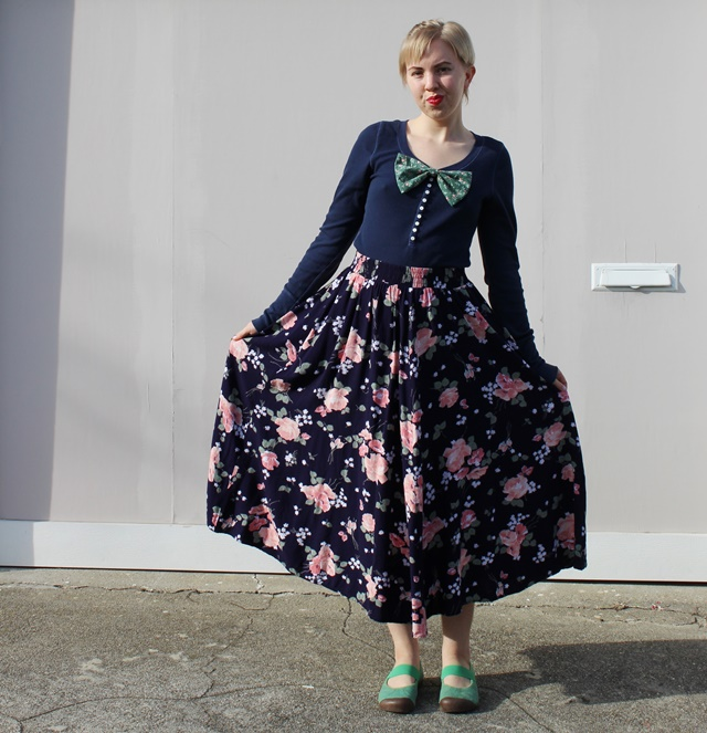 Green Floral Bow, Navy Blue Long Sleeves, Vintage Rose Pattern Maxi Skirt