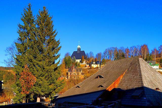 Althammer und Kirche Oberneuschönberg