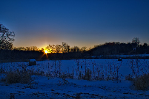 sunset nature photoshop raw bluesky iowa decorah upperiowariver winneshiekcounty topazlabs infinitexposure