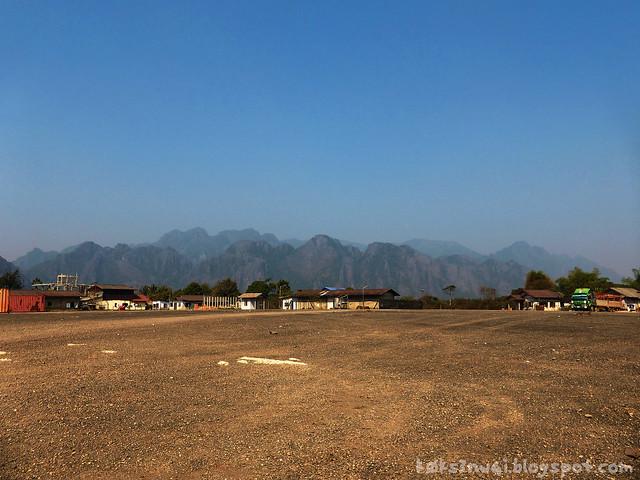 Kaeng Nyui Bike Trip Vang Vieng Karst