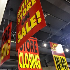 #Calumet photo is closing. Everything must go! #photography #equipment #sale Check this @tiagopastoreli