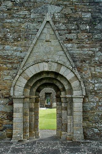Romanesque entry