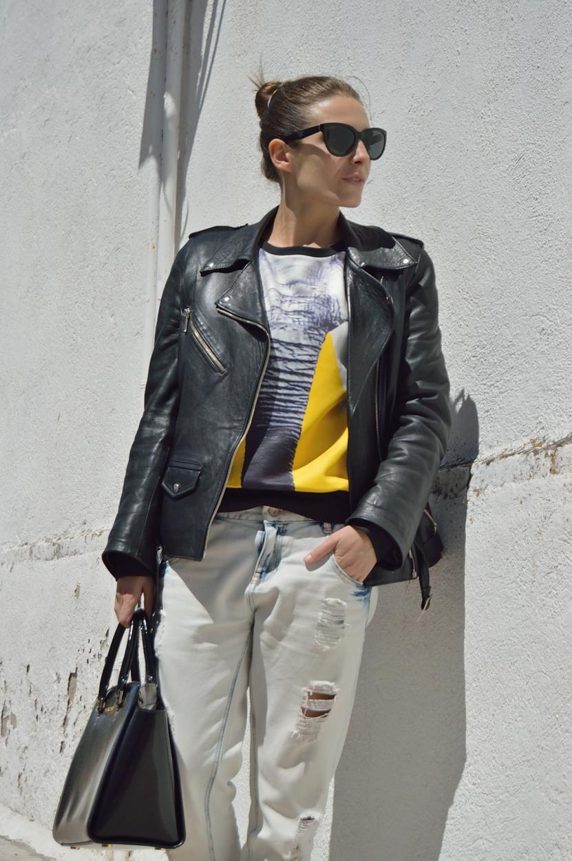 lara-vazquez-madlula-blog-style-fashion-look-streetstyle-perfecto-jacket-black-yellow-denim