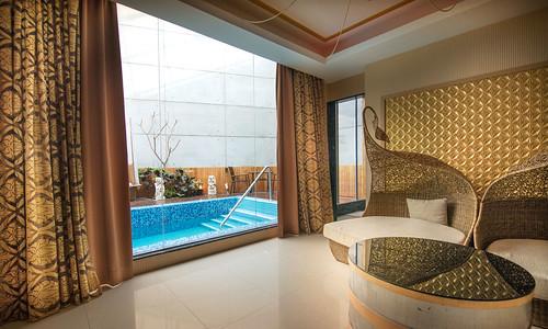 台南汽車旅館推薦媜13 房內還有游泳池真過癮 (1)