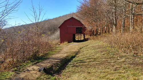 chfstew northcarolina ncaverycounty appalachiantrail roanhighlands atshelter landscape