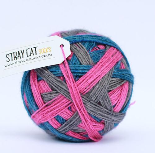 stray cat sock yarn