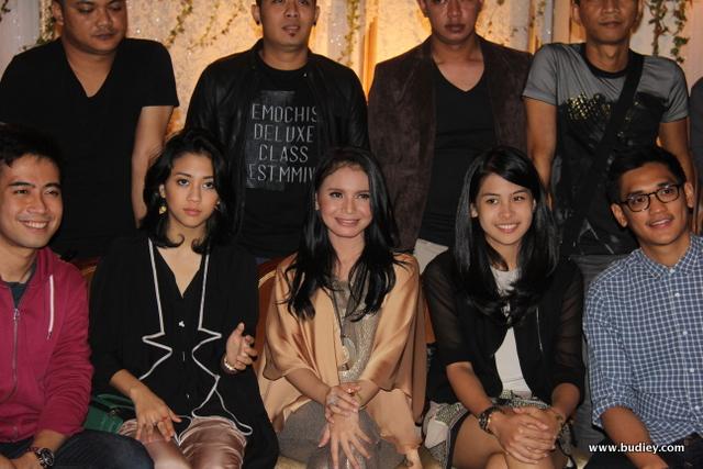 Makan Bareng Trinity Konsert Mega Bintang