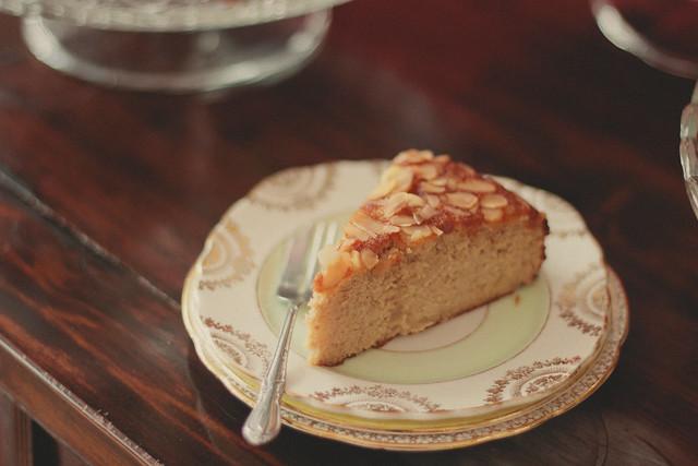 orange-honey almond cake via chevrons & éclairs