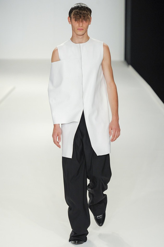 Ben Allen3063_SS14 London JW Anderson(vogue.co.uk)