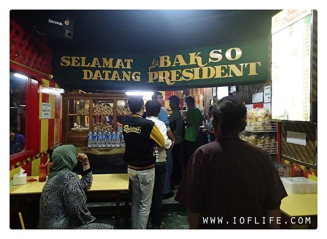bakso president_antri_s