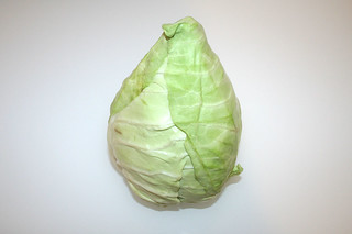 02 - Zutat Spitzkohl / Ingredient pointed cabbage
