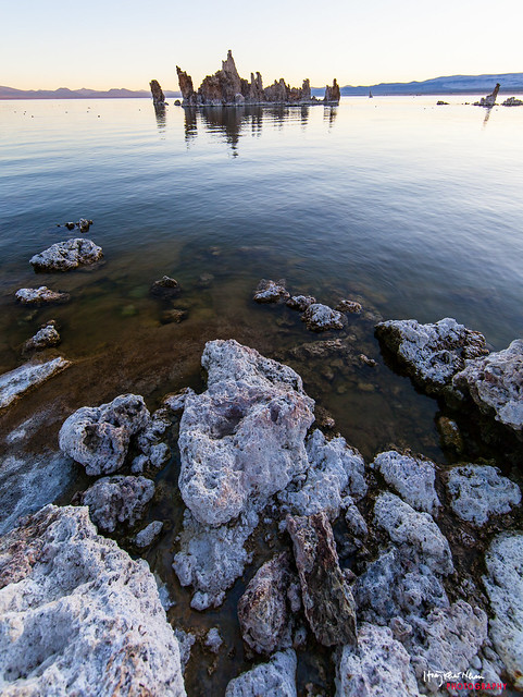 Tufa in Mono Lake by hoàng khai nhan