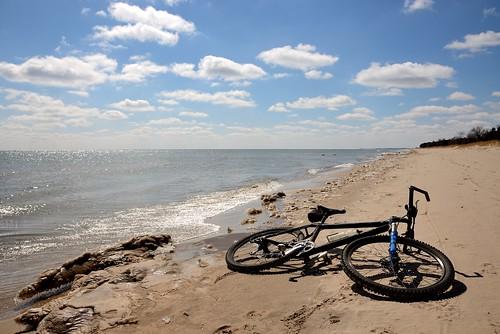 bicycle frozen sand nikon lakemichigan sheboygan d600 beachride devilducmike