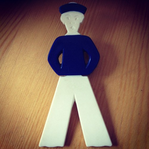#40s #50s west German pin #vintage #jewelry #plastic #boy #cute #blue #white