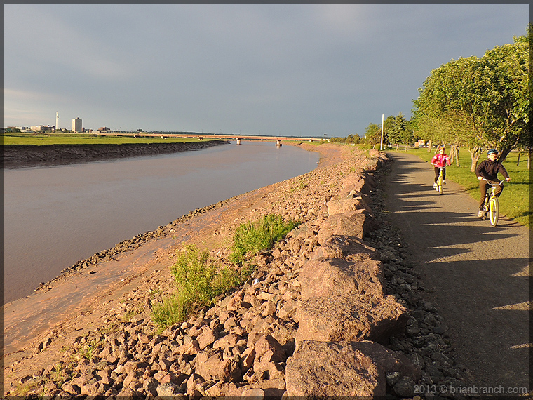 DSCN1433_petitcodiac_river