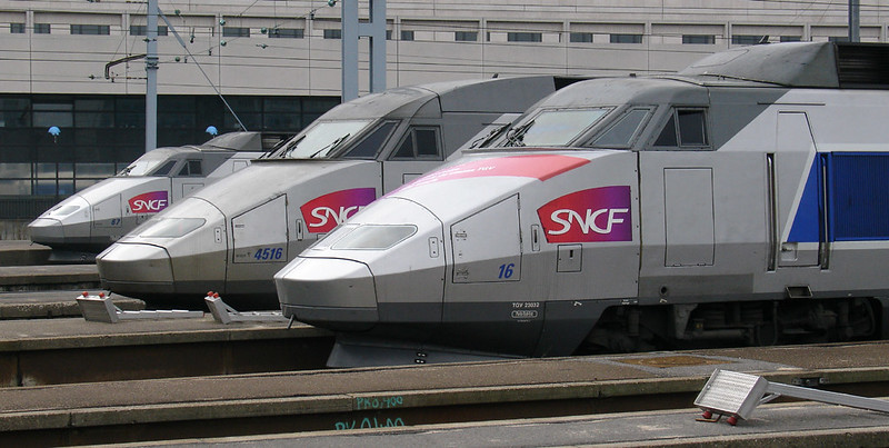 RD90. A line up of TGVs at Paris Gare de Lyon.