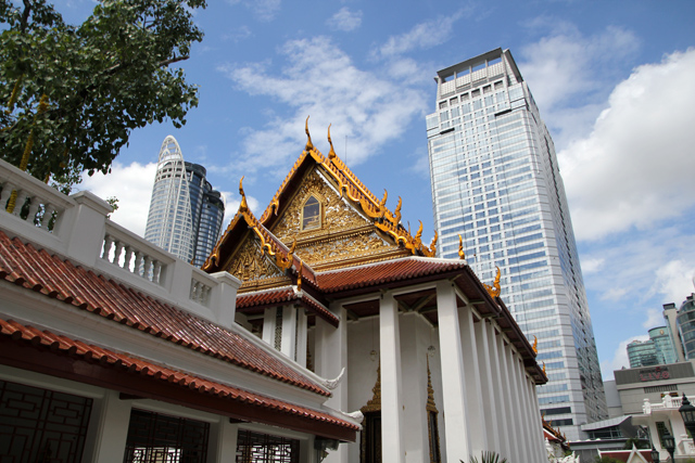 Wat Pathum Wanaram (วัดปทุมวนาราม)