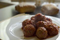fried food(0.0), produce(0.0), frikadeller(1.0), food(1.0), dish(1.0), cuisine(1.0), meatball(1.0),