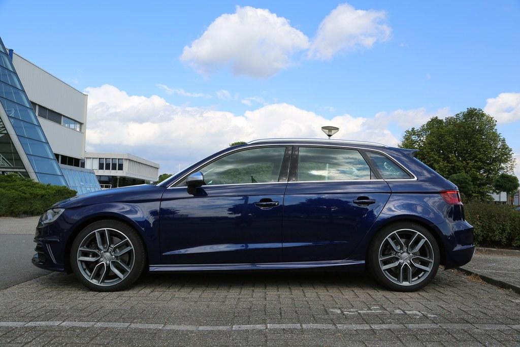 How Close Is Navarro Blue To Estoril Blue ?   Audi-Sport.net