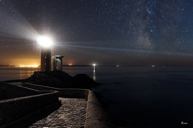 Ciel éloilée depuis la Pointe du Petit Minou