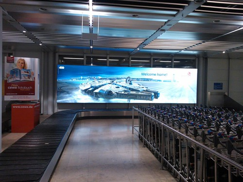 nbg-airport_starwars (1)