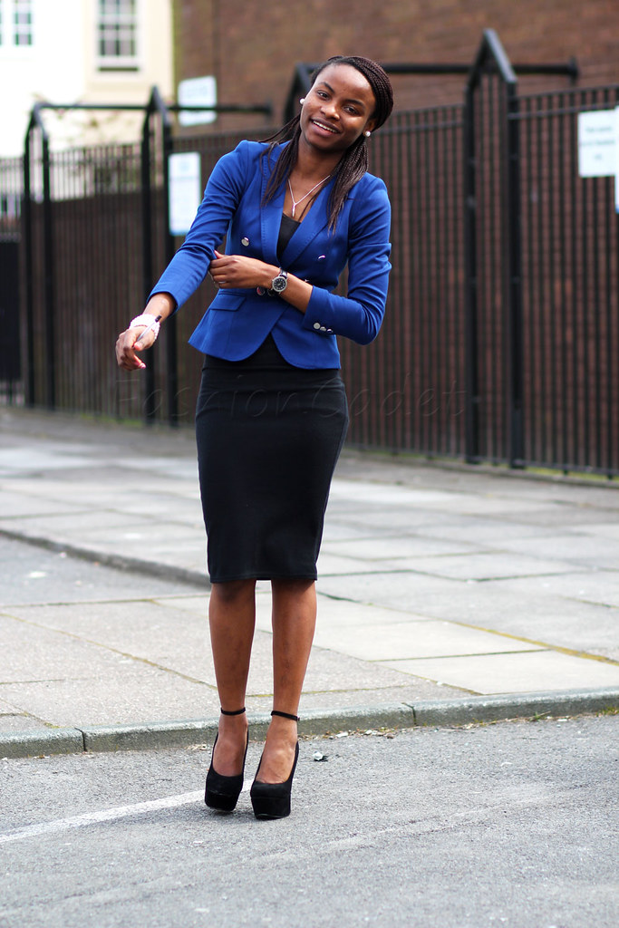 how to style Women's blue blazer, how to wear blue blazer, blue blazer with skirt, pencil skirt, blue blazer, how to style Womens blue blazer, womens blue blazer, women's blue blazer