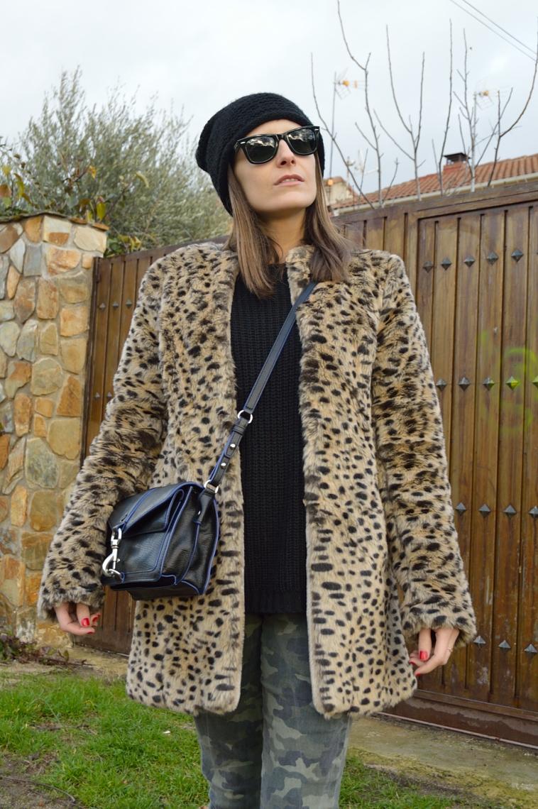 lara-vazquez-madlula-blog-details-leopard-coat-winter