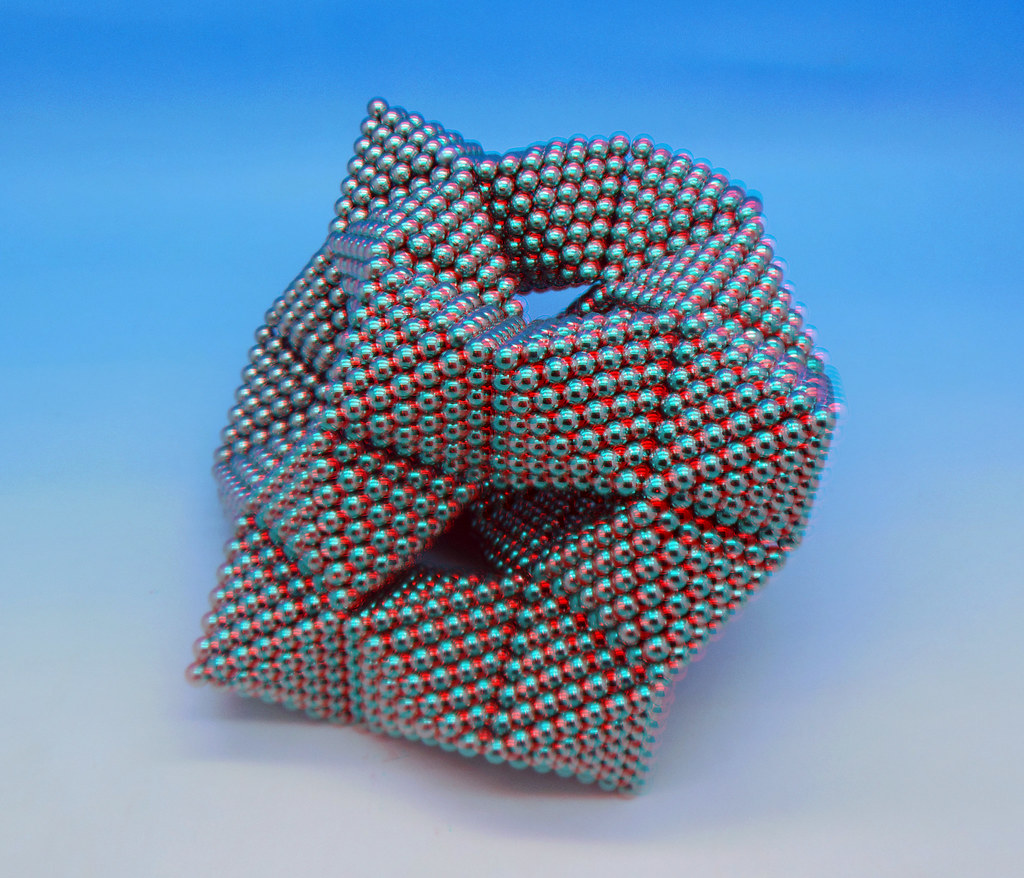 Warped-Cube-4-in-3D