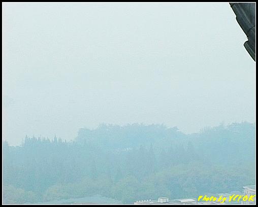 杭州 吳山天風景區 - 030 (城隍閣 從城隍閣鳥瞰霧中的西湖)