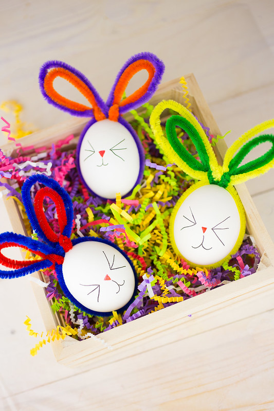 Easter Bunny Pipe Cleaner Eggs-11.jpg